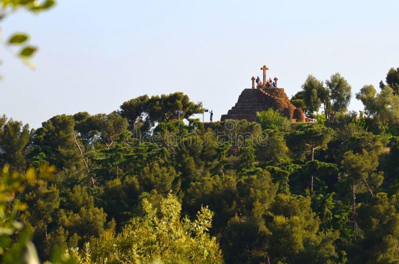 横渡在小山在巴塞罗那,西班牙 图库摄影
