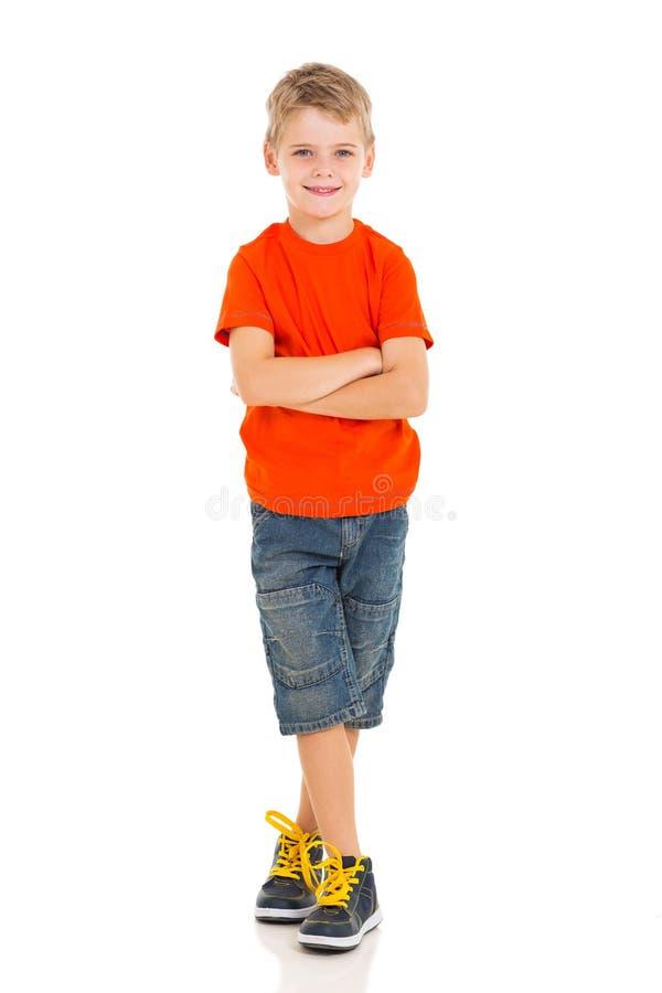 横渡的男孩胳膊 免版税库存图片