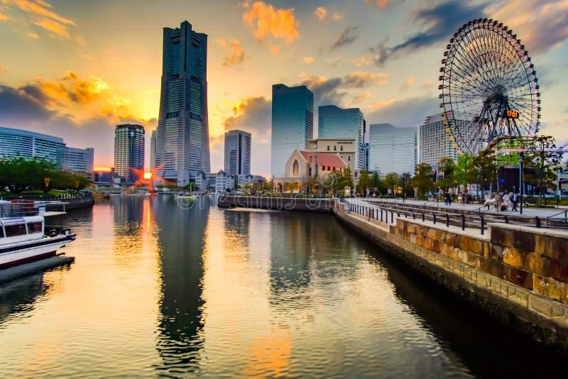 横滨在日落的Minato Mirai都市风景  日本地标和普遍旅游景点的 免版税库存图片
