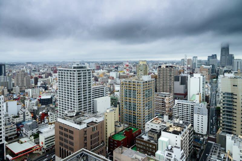 横滨都市风景和Minato Mirai海湾边都市风景和高层办公大楼和摩天大楼,在横滨,神奈川, 免版税库存照片