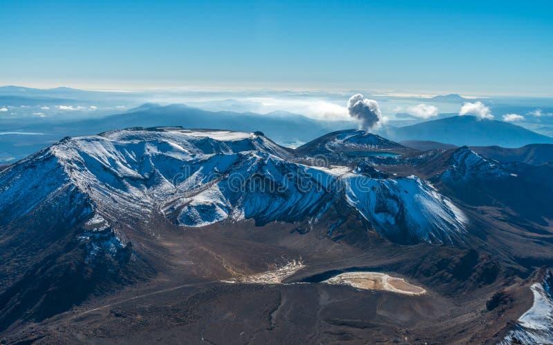 横穿海岛新的北部tongariro西兰 免版税图库摄影