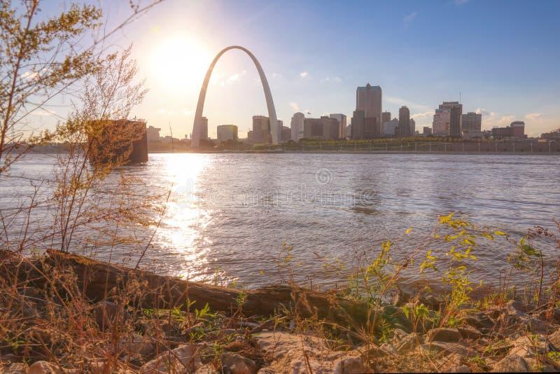 横跨密西西比河的圣路易斯,密苏里地平线 免版税库存图片