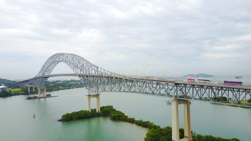 横跨巴拿马运河的美洲大桥 免版税库存照片