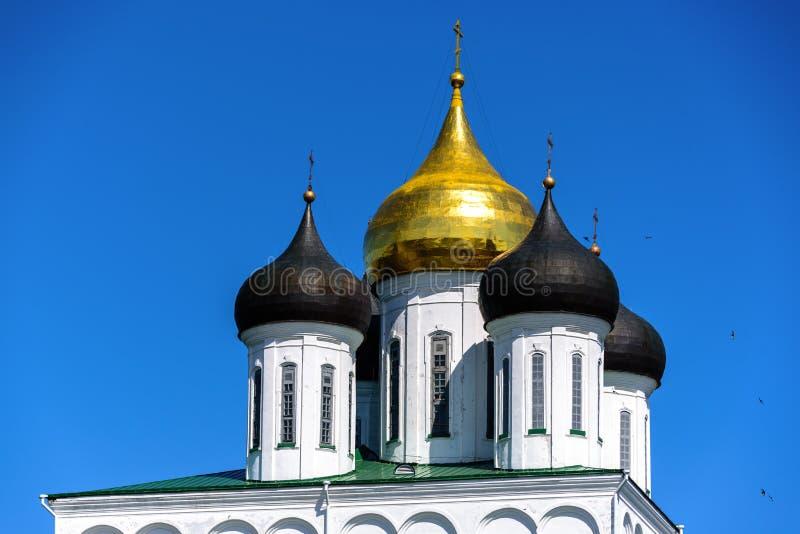 横跨普斯克夫走克里姆林宫的疆土 免版税库存图片