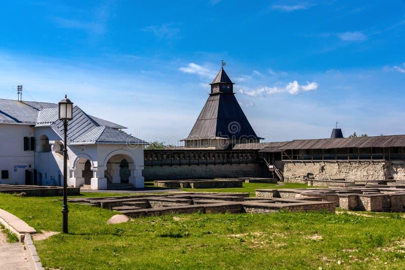 横跨普斯克夫走克里姆林宫的疆土 库存图片