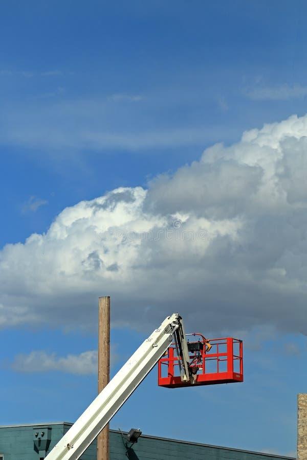 樱桃捡取器起重机和水力建筑摇篮 免版税图库摄影