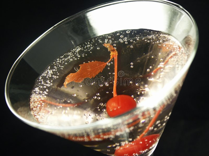樱桃马蒂尼鸡尾酒 库存图片