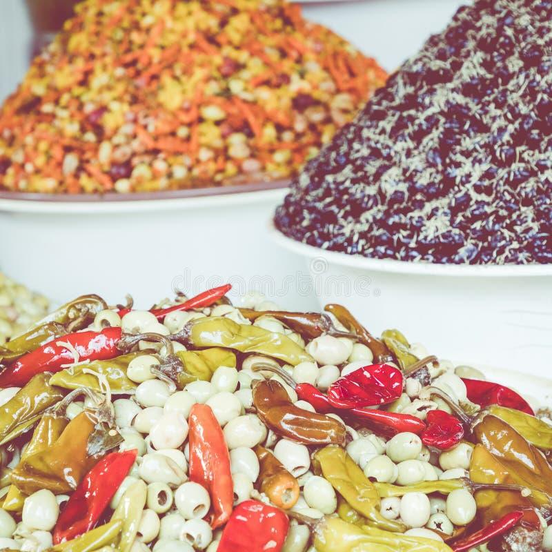 橄榄在市场上在摩洛哥 库存图片