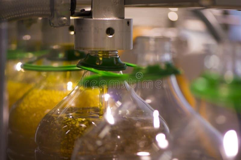 橄榄油工厂,橄榄色的生产 免版税库存照片
