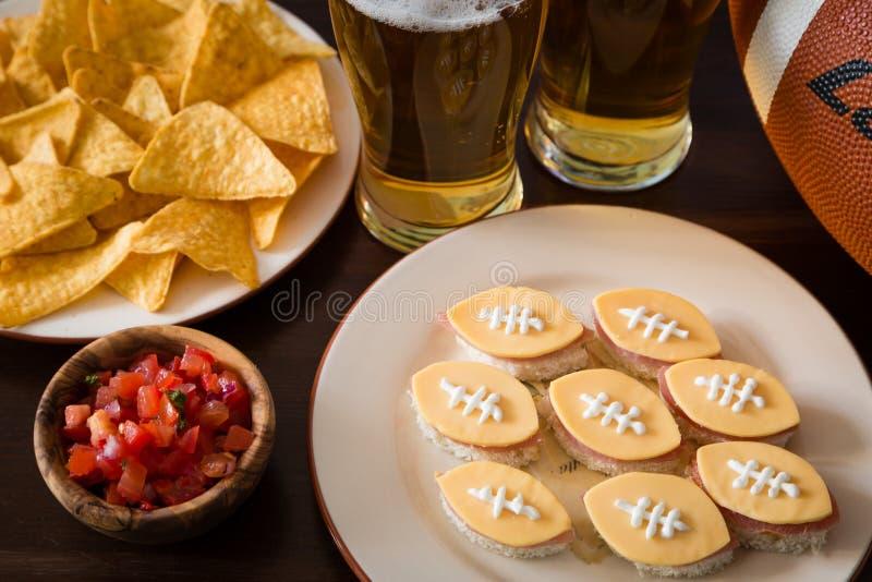 橄榄球党食物,超级杯天 库存图片