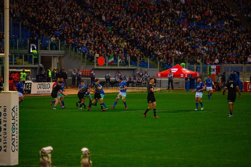 橄榄球卡托利卡比赛所有黑的意大利- 免版税库存照片