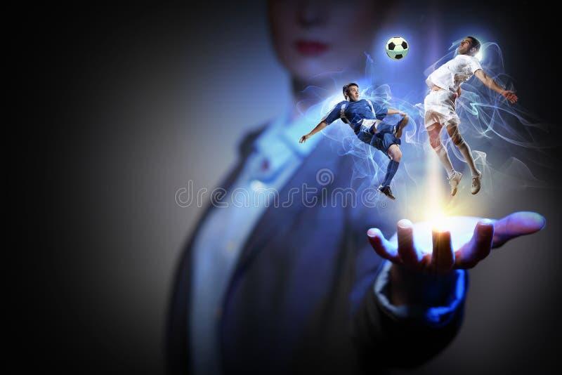 橄榄球赛爱好者 混合画法 库存图片