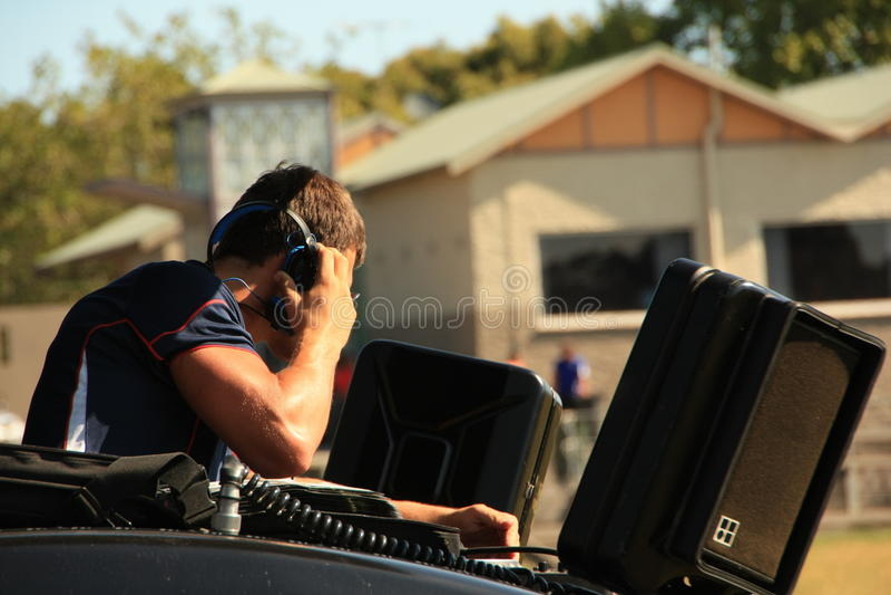 橄榄球7橄榄球场的DJ 免版税库存照片