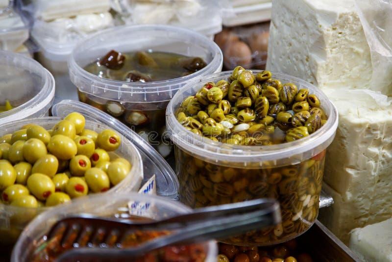 橄榄背景关闭  埃及水果市场蔬菜 免版税库存图片