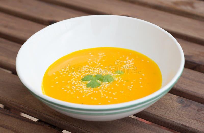 Download 橙色南瓜红萝卜汤 库存图片. 图片 包括有 饮食, 素食主义者, 奶油, 牌照, 午餐, 膳食, 鲜美, 烹调 - 72366947