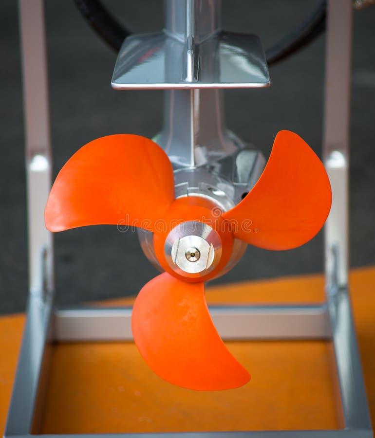 橙色小船推进器 免版税库存照片