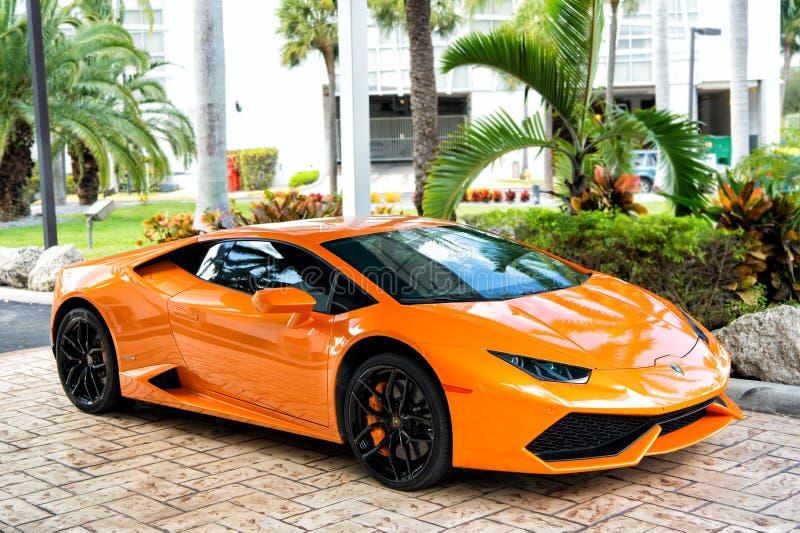 橙色跑车Lamborghini Aventador 免版税库存图片