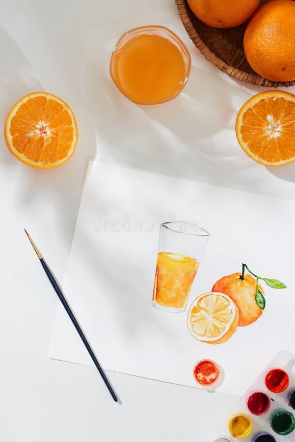 橙色 热带夏天概念由橙色果子和手图画例证制成 免版税库存照片
