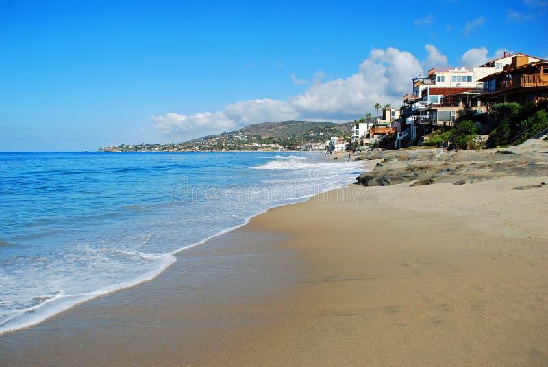 橡木在南拉古纳海滩,加利福尼亚的街道海滩 库存照片