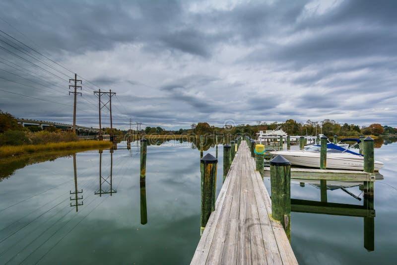 橡木小河着陆的船坞,在纽科姆,在圣Michaels附近, Maryl 免版税库存图片