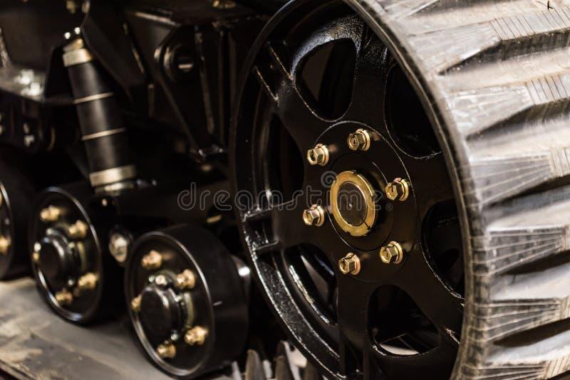 橡胶拖拉机轨道特写镜头  图库摄影
