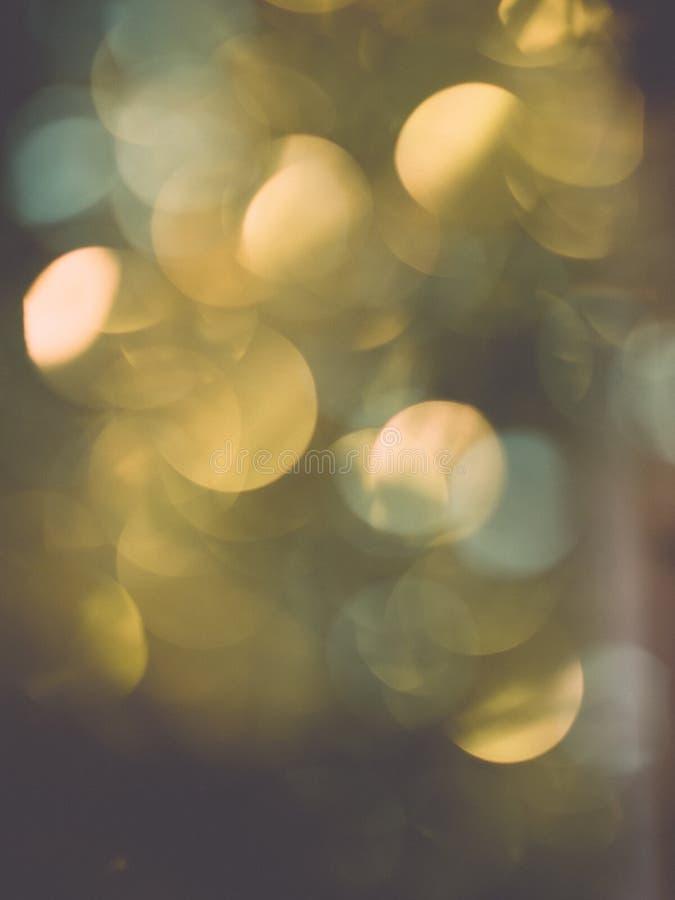 欢乐抽象的背景 圣诞节和新年宴餐bokeh 免版税库存图片