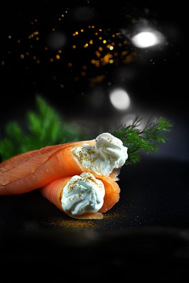 欢乐熏制鲑鱼 图库摄影