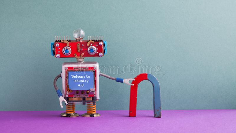 欢迎到产业4 红颜色的词位于在白色颜色文本 友好的机器人红色蓝色马掌磁铁 Steampunk机械靠机械装置维持生命的人,兴高采烈的头,蓝色 免版税库存图片