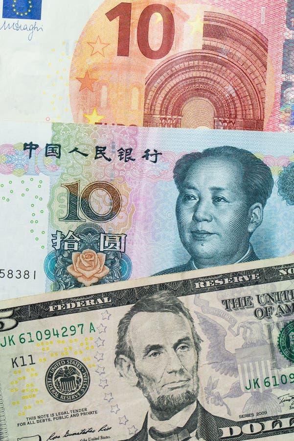 欧元、中国元和美元钞票 免版税库存照片
