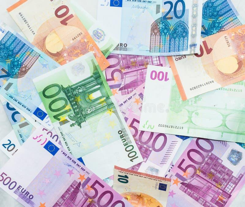 Download 欧元发单欧洲钞票金钱 货币欧盟 库存图片. 图片 包括有 财务, 商务, 采购, 市场, 纸张, 现金, 背包 - 62539877