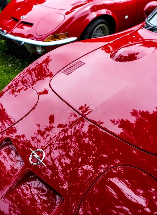 欧宝GT烙记红色汽车 免版税库存照片