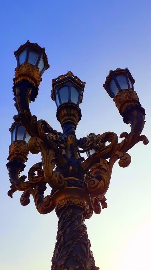 欧洲式新安装的灯柱位置:琼斯桥,菲律宾马尼拉 免版税库存图片