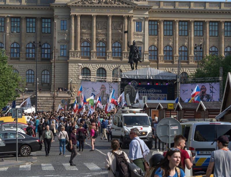 欧洲极端分子在布拉格 库存照片