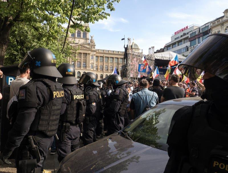 欧洲极端分子在布拉格 库存图片