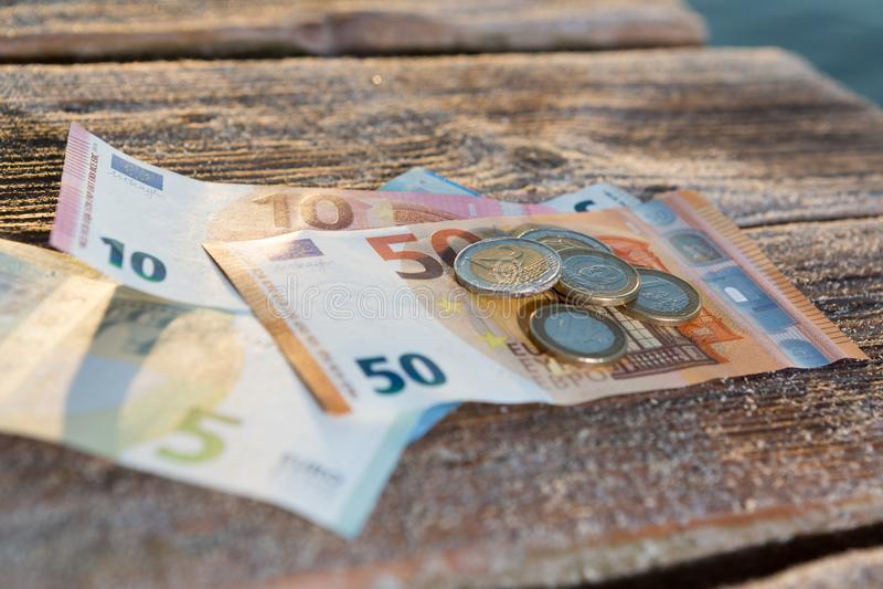 欧洲票据和硬币-现金金钱 库存照片