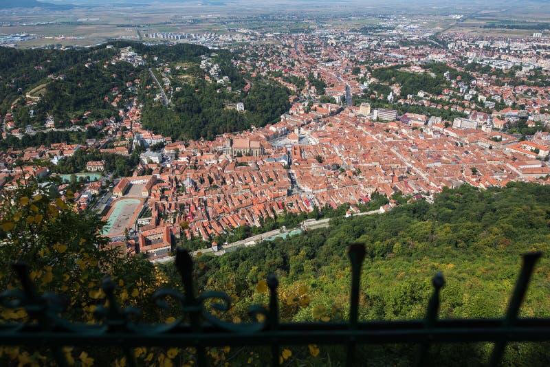欧洲老城市布拉索夫风景从山峰顶的  图库摄影