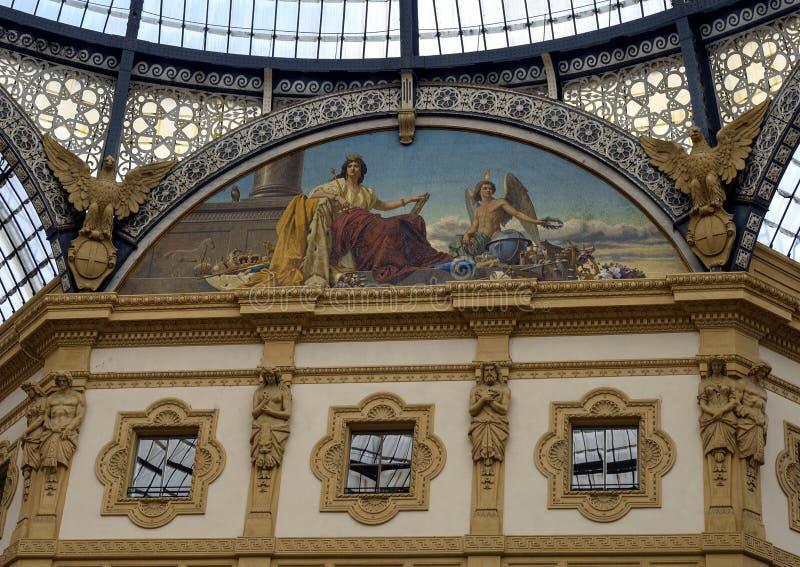 欧洲马赛克,圆顶场所维托里奥・埃曼努埃莱・迪・萨伏伊II,米兰,意大利 库存图片