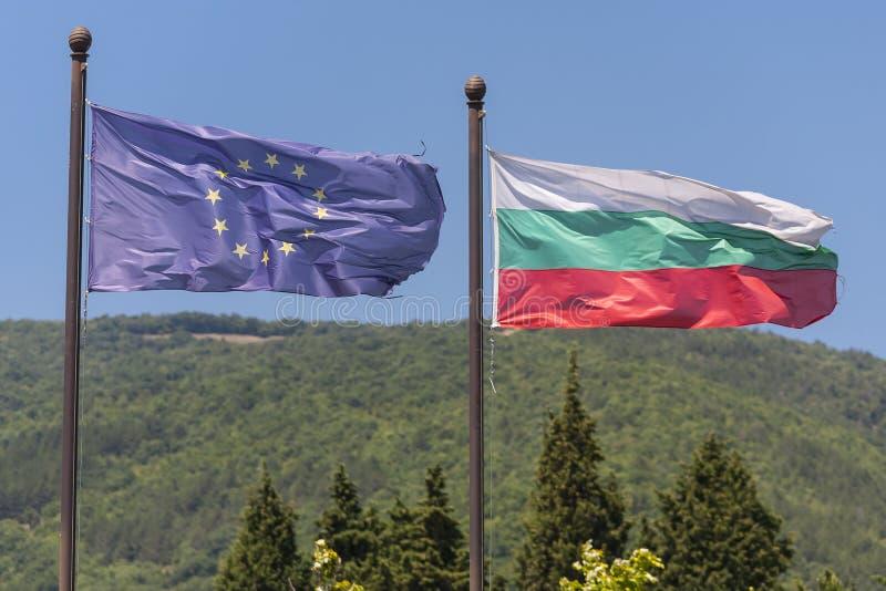 欧盟和保加利亚旗子 库存照片