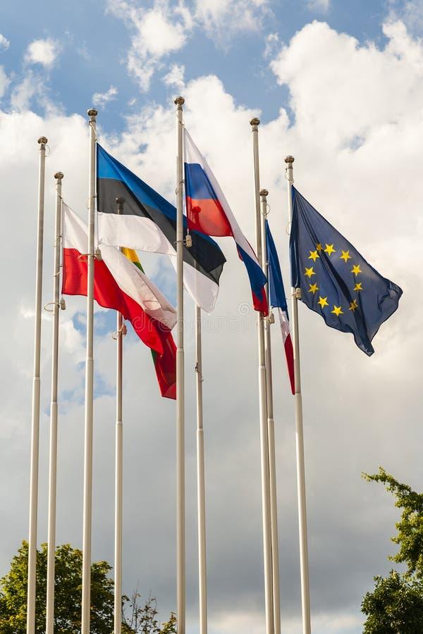 欧盟旗子和其他国旗。 免版税库存照片