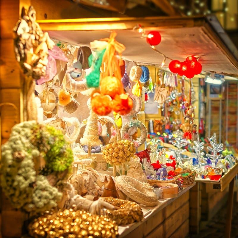 欧洲圣诞节市场摊位 库存照片