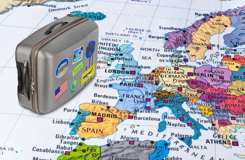 欧洲地图和旅行案件与贴纸(我的照片) 库存图片