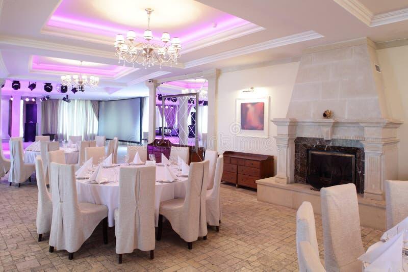 欧洲风格的豪华餐馆 免版税库存图片