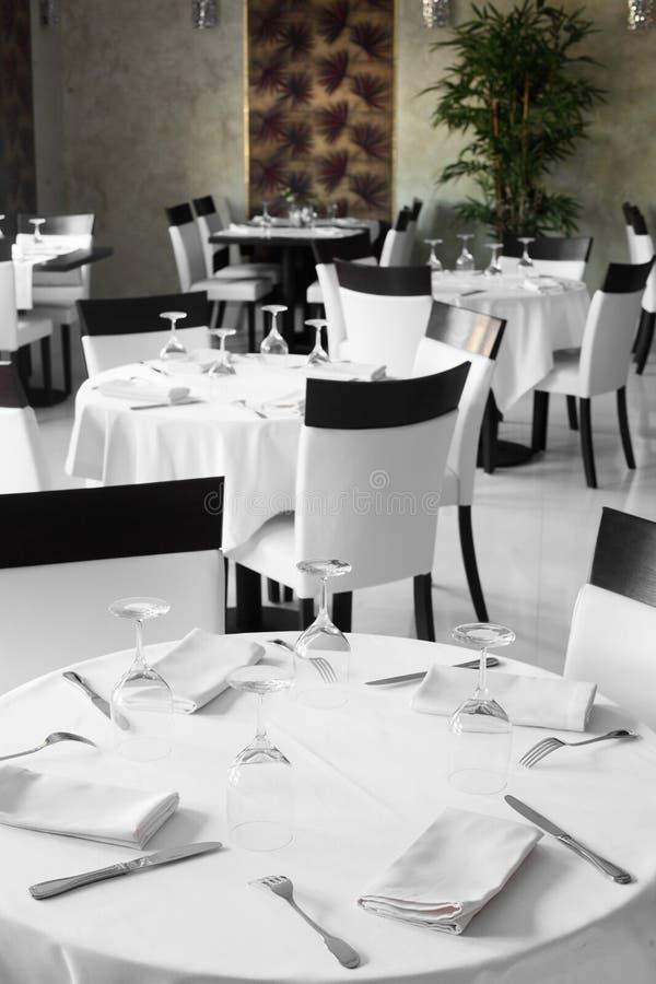欧洲风格的豪华餐馆 免版税库存照片