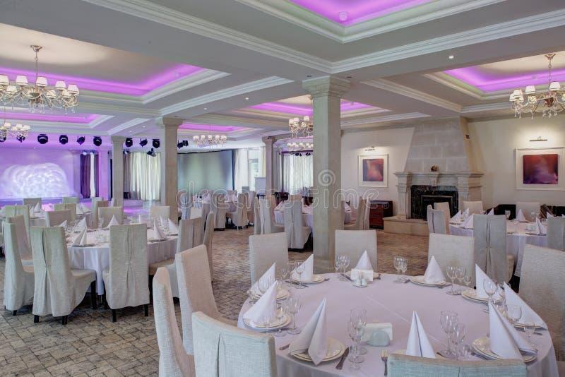欧洲风格的豪华餐馆 免版税图库摄影