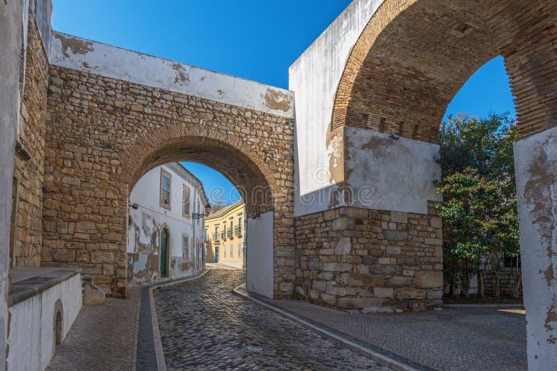 欧洲,葡萄牙,阿尔加威,市法鲁-传统街道 免版税库存图片
