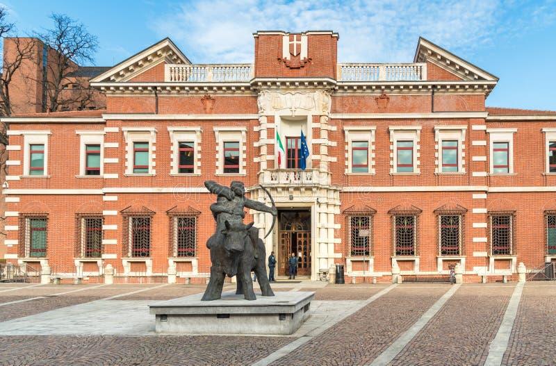 正义,法院宫殿的看法在瓦雷泽,意大利的中心 免版税库存照片