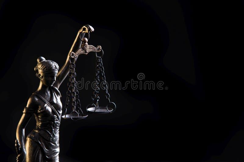 正义Themis的女神的小雕象 库存照片