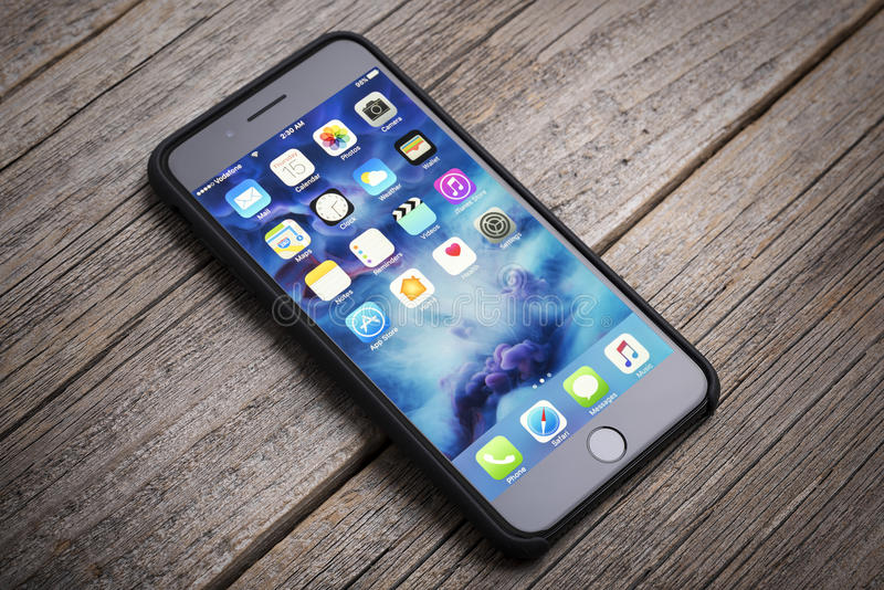 正新的黑iPhone 7 免版税库存照片