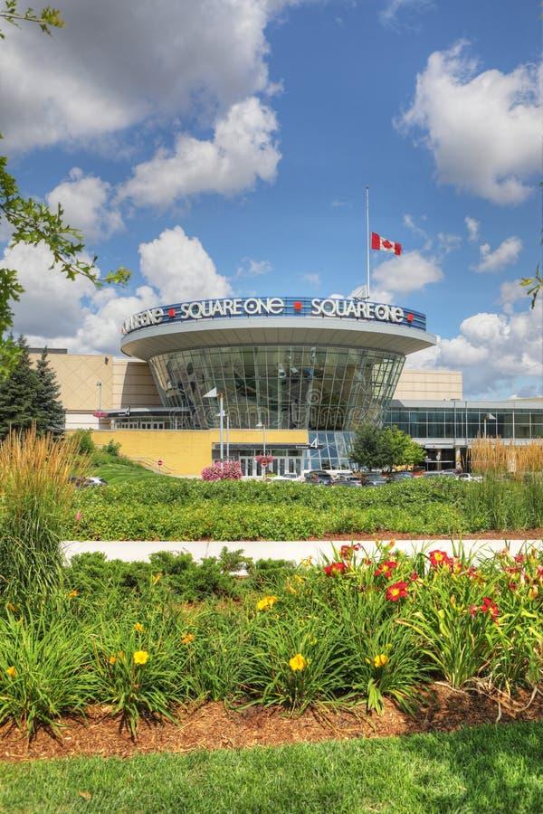 正方形一购物中心垂直在密西沙加,加拿大 库存照片