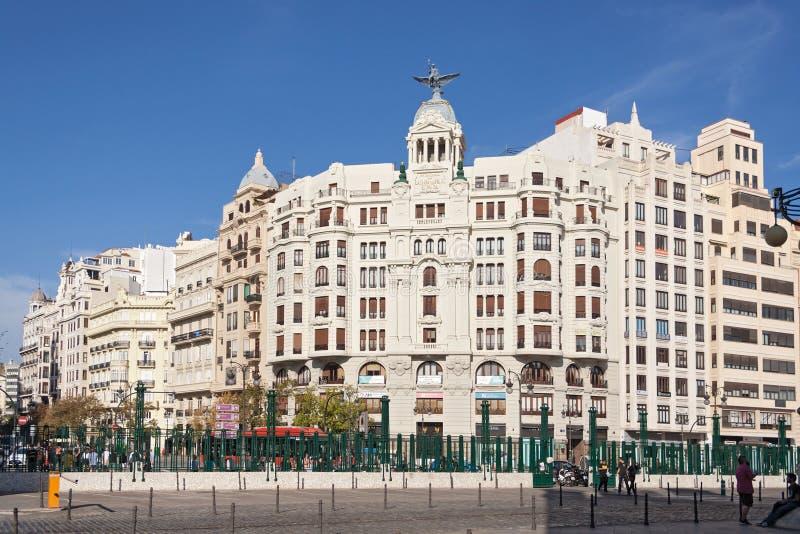 正方形的议院在总台前面在巴伦西亚,西班牙 库存照片